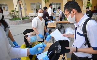Video: Học sinh TP.HCM được học online đến hết tháng 2-2021