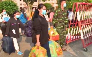 Video: Mùng 4 Tết, hơn 300 sinh viên, giảng viên ĐH Thủ Dầu Một được về nhà sau thời gian cách ly