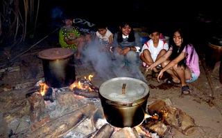 Tết xưa - Tết nay: Trắng đêm bên bếp lửa hồng canh nồi bánh tét