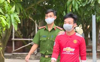 Video: Bắt tạm giam thanh niên dọa tung ảnh nóng, hiếp dâm trẻ em