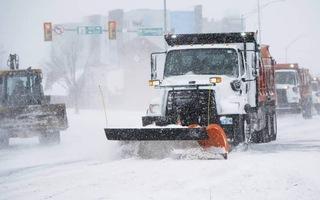 Video: Bão tuyết ở Mỹ, thêm 2 bang tuyên bố tình trạng khẩn cấp