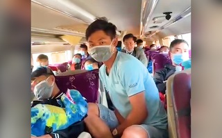 Video: Bắt quả tang ôtô khách 46 chỗ chở 63 người