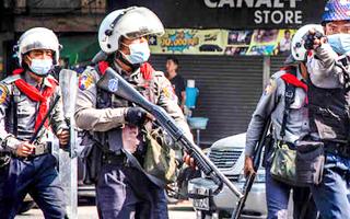 Video: Cảnh sát Myanmar nổ súng vào người biểu tình, ít nhất 2 người chết