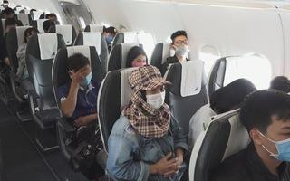 Trên chuyến bay đặc biệt đưa công nhân về Tết: Xuân này con sẽ về!