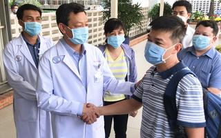 Video: Bệnh viện Chợ Rẫy tiếp thêm y bác sĩ cho vùng dịch Gia Lai