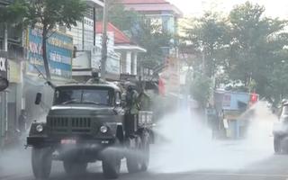 Video: Xe chuyên dụng xịt khử khuẩn tại Bình Dương
