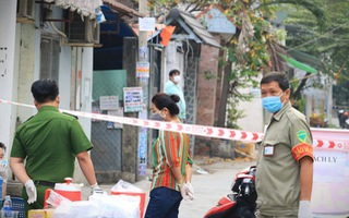 Video nóng: Phong tỏa đường TL04, phường Thạnh Lộc, quận 12, TP.HCM