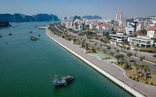Video: Đường ven biển Hạ Long 'tuyệt tác' bên bờ di sản