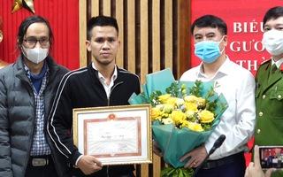 Video: Khen thưởng người cứu cháu bé rơi từ tầng 12 chung cư ở Hà Nội