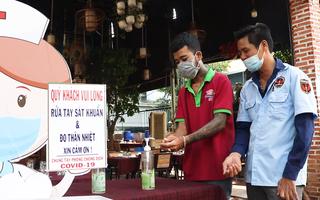 Video: TP.HCM mở cửa lại cơ sở kinh doanh dịch vụ