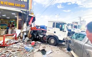 Video: Hiện trường ngổn ngang 4 xe tai nạn liên hoàn, quốc lộ 51 ùn ứ