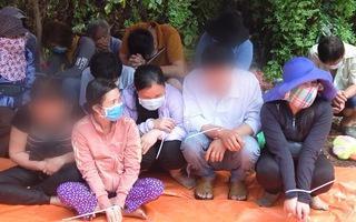 Video: Nhiều 'quý bà' từ TP.HCM đến miền Tây gầy sòng lắc tài xỉu trong rừng tràm