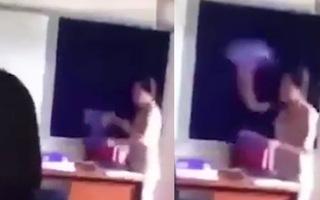 Video: Đình chỉ cô giáo ném sách, đánh lên đầu học sinh