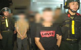 Video: Công an vào cuộc vụ mâu thuẫn trên mạng, gần 20 học sinh đánh nhau loạn xạ