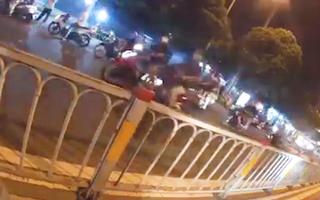 Video: Gay cấn cảnh sát hình sự nổ súng truy đuổi 2 tên trộm ở TP.HCM