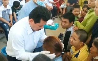 Video: Những người được ông Võ Hoàng Yên kéo lưỡi, vỗ vào tai để trị bệnh giờ ra sao?
