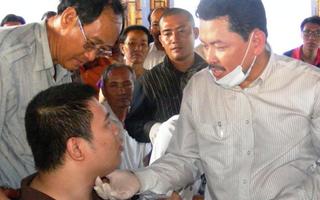 Video: Yêu cầu tạm dừng mời 'thần y' Võ Hoàng Yên về Quảng Ngãi khám chữa bệnh