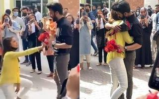 Video: 2 sinh viên bị đuổi học vì tỏ tình công khai trong sân trường