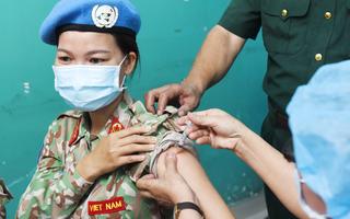 Video: Tiêm vắc xin COVID-19 cho quân nhân diện ưu tiên