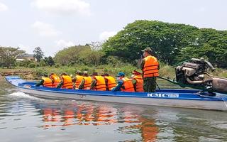 Video: Dồn sức ngăn người từ Campuchia nhập cảnh 'chui' để phòng dịch COVID-19