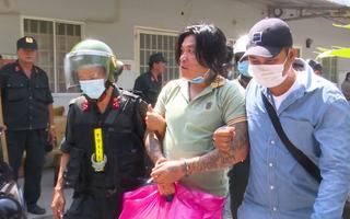 Video: Bắt Nhứt 'khùng' và nhiều người trong nhóm đòi nợ thuê, cho vay lãi nặng ở Tiền Giang