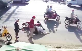 Video: Lao vào hỗn chiến, nam thanh niên bị đánh gục tại chỗ