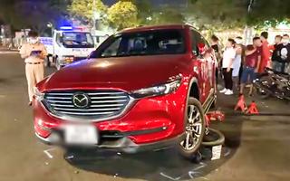 Video: Lần theo định vị, dùng ô tô truy đuổi hai người nghi trộm cắp xe máy