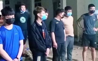 Video: Trục xuất 9 người Trung Quốc nhập cảnh trái phép