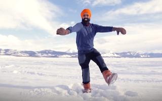 Video: Độc đáo điệu nhảy của người đàn ông sau khi được tiêm vắc xin COVID-19