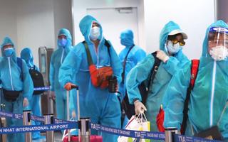 Video: 35 người Trung Quốc nghi nhập cảnh trái phép tại TP.HCM âm tính lần 1