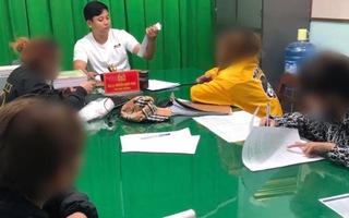 Video: Giải cứu 5 em gái bị nhóm chăn dắt ép phục vụ quán karaoke ở Quảng Ngãi