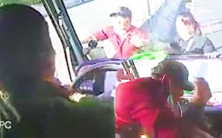 Video: Điều tra vụ tài xế xe tải bị chặn đánh tới tấp trên cao tốc TP.HCM - Trung Lương