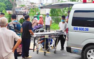 Video: Va vào xe tải kéo theo thùng trộn bê tông, một người tử vong