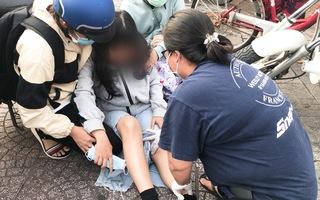 Video: Bị cuốn vào gầm container, nữ sinh không tin mình còn sống