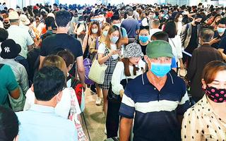 Video: Sân bay Tân Sơn Nhất 'vỡ trận' mấy ngày qua do đâu?