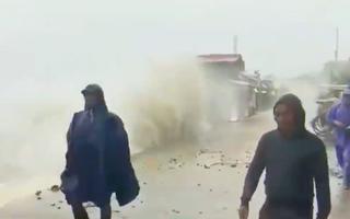 Video: Siêu bão Surigae không vào bờ, nhưng đã tàn phá Philippines