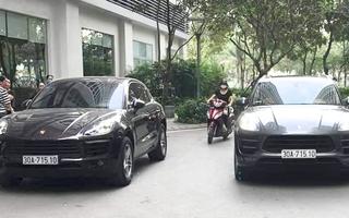 Video: Công an tạm giữ 2 ôtô Porsche trùng biển số 'chạm mặt' ở Hà Nội