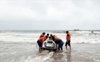 Video: 4 học sinh đuối nước thương tâm khi tắm biển ở Thanh Hóa