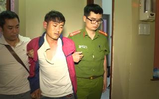 Video: Cầm dao tấn công công an khi bị bắt quả tang sử dụng ma túy