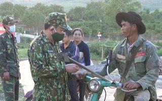 Video: Căng mình ngăn chặn nhập cảnh trái phép từ các tuyến đường mòn giáp biên giới Campuchia