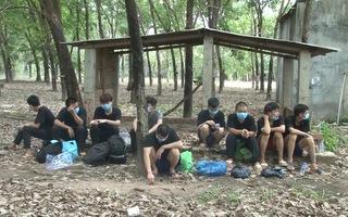 Video: Người Trung Quốc nhập cảnh trái phép bỏ chạy toán loạn trong vườn cao su ở Bình Phước
