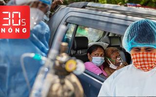 Bản tin 30s Nóng: Ấn Độ lấy ôtô làm giường bệnh, chặt cây công viên hỏa táng bệnh nhân COVID-19