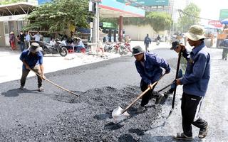Video: Gấp rút cải tạo đường Nguyễn Hữu Cảnh để thông xe ngày 30-4