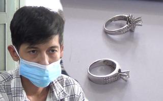 Video: Bắt khẩn cấp nghi phạm trộm nhẫn kim cương, xe SH hơn 800 triệu đồng ở TP.HCM
