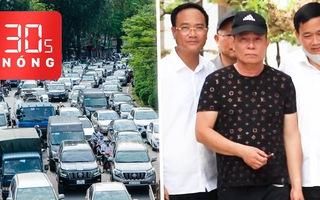 Bản tin 30s Nóng: Kẻ bắn chết 2 người không bị còng tay; Chen chúc đi nghỉ lễ, đường về có nhích từng chút?
