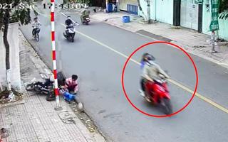 Video: Xác minh vụ 2 học sinh bị người đi xe máy đạp ngã nhào trên đường