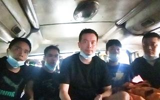 Video: 5 người Trung Quốc 'đóng' trong thùng cactông, chở trên xe khách từ Bắc Giang vào TP.HCM