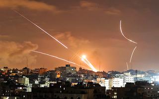 Video: Nhiều rocket đã phóng từ phía Libăng về hướng Israel