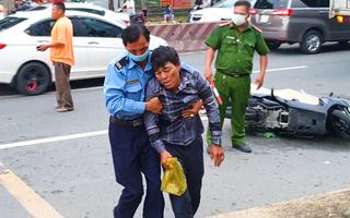 Video: Chồng ngất xỉu khi chứng kiến vợ tử vong sau tai nạn