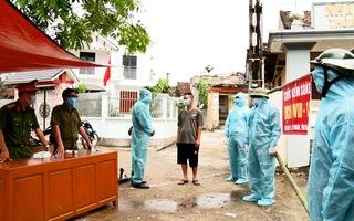 Video: Phong tỏa một xã ở Hà Nam sau khi ghi nhận 3 ca COVID-19